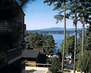 2 Bedroom Bedroom, Week #11, South Shore Lake Resort timeshare located in Hot Springs, Arkansas, United States for sale by owner.