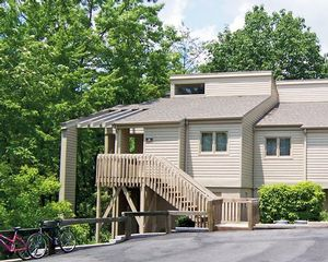 1 Bedroom Bedroom, Week #30 (FIXED), Foxrun Townhouses timeshare located in Lake Lure, North Carolina, United States for sale by owner at half price.