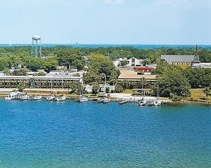 1 Bedroom Bedroom, Week #47, Marina Bay Resort timeshare located in Fort Walton Beach , Florida, United States for sale by owner.