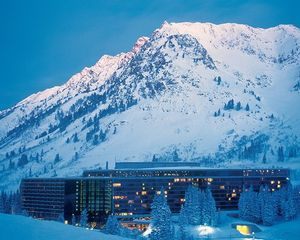 2 Bedroom Bedroom, Week #24 (FLOATING), The Cliff Club at Snowbird timeshare located in Snowbird, Utah, United States for sale by owner.